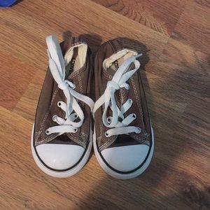 Brown converse 9 toddler.